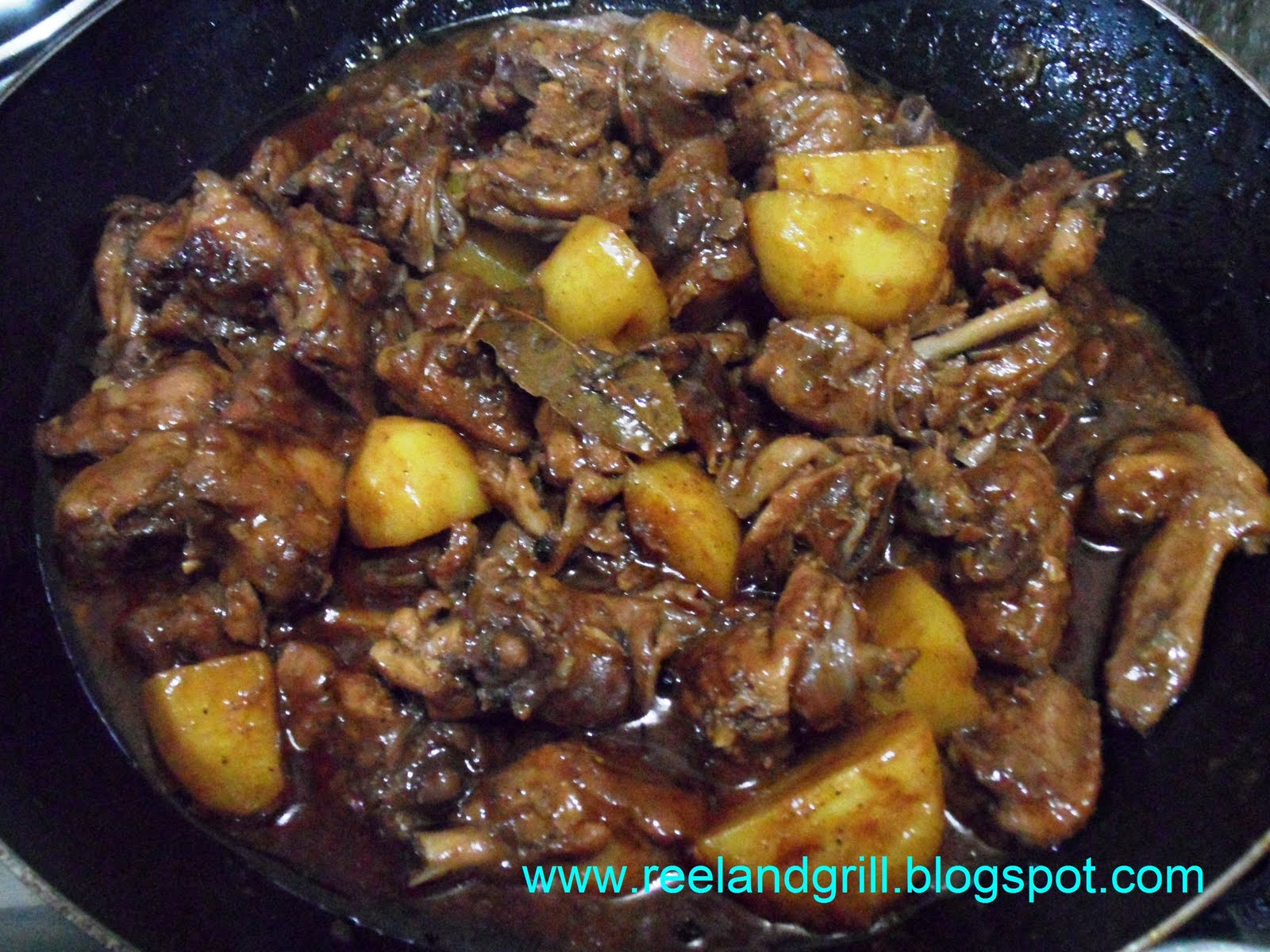 how to make chicken adobo with potatoes