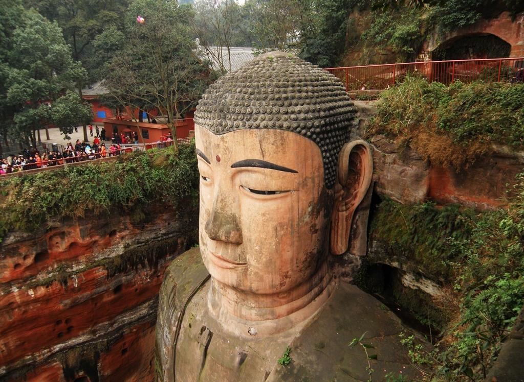 Exceptionnel The Leshan Giant Buddha / Il Buddha gigante di Leshan | Tutt'Art  GQ48