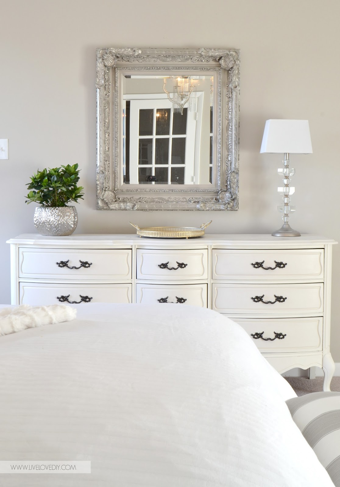 LiveLoveDIY: DIY Decorating Ideas for Your Bedroom
