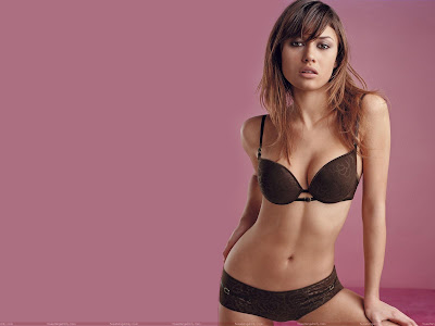olga_kurylenko_lingerie_wallpaper_sweetangelonly.com