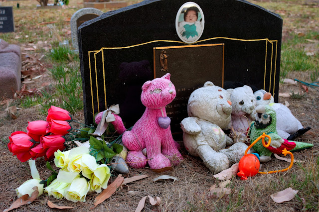 Image of a child's grave - cemetery photography