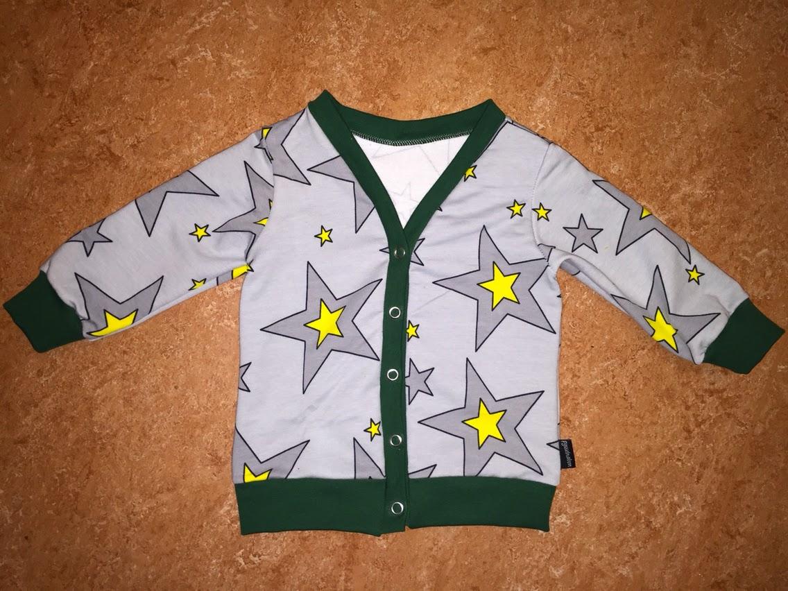 sy kofta med knappar college barnkläder