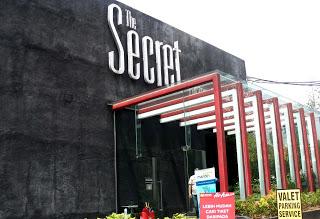 Factory Outlet di Jalan Riau dan Jalan Dago Bandung