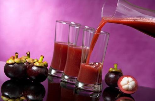 Lagipula manfaat dan khasiat dari jus lebih nyata karena kandungan vitamin dan mineralnya masih utuh. inilah cara membuat jus kulit manggis