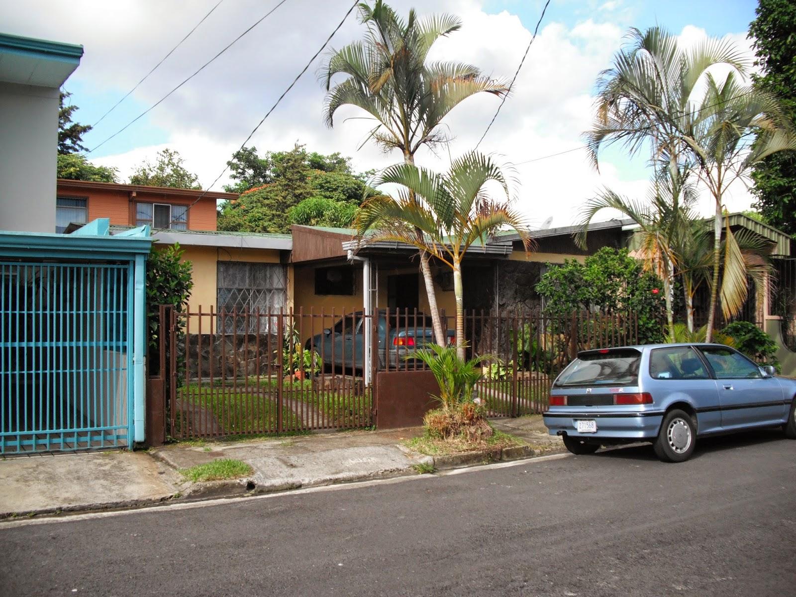 Costa Rica Invest: Bars on Windows