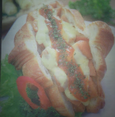 Croissant Sandwich Sausage Sauce Bolognaise