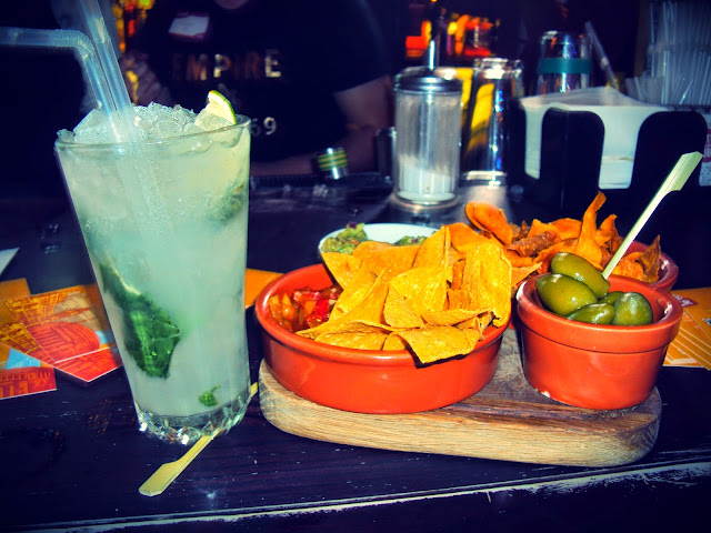 Nachos and cocktail