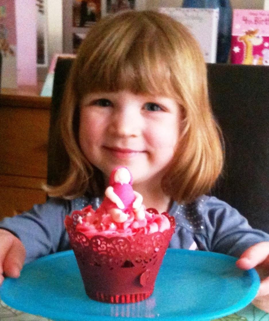 The Vegetarian Experience: Cakerella Cupcake Decorating ...