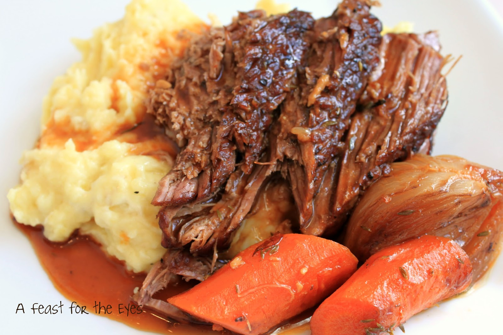 Feast for the Eyes: Perfect Pot Roast with Creamy Mashed Potatoes ...