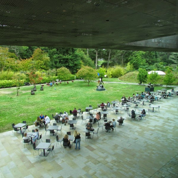 de Young Museum // Cafe Area