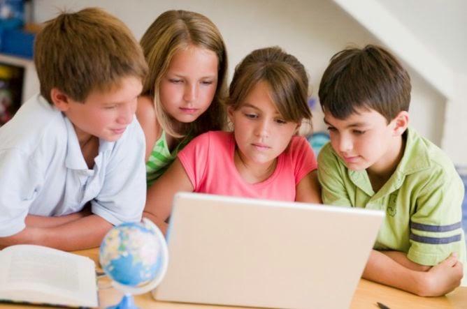 Efek Buruk Anak Keseringan Di Depan Komputer