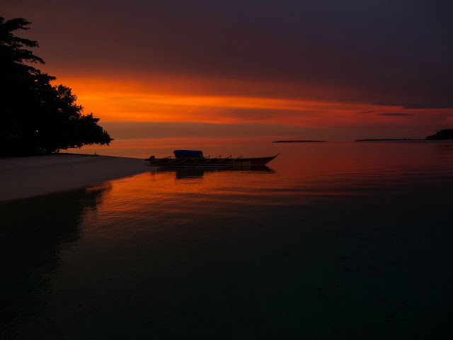Sunset di tanjung pulau Ahe