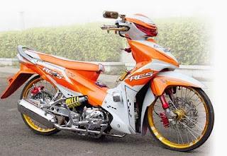 Inspirasi 5 Modifikasi Motor Absolut Revo 2014