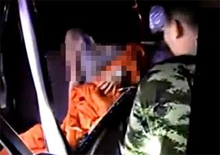 Hampir Hilang Nyawa Ketika Lakukan Seks Bertiga Di dalam Kereta