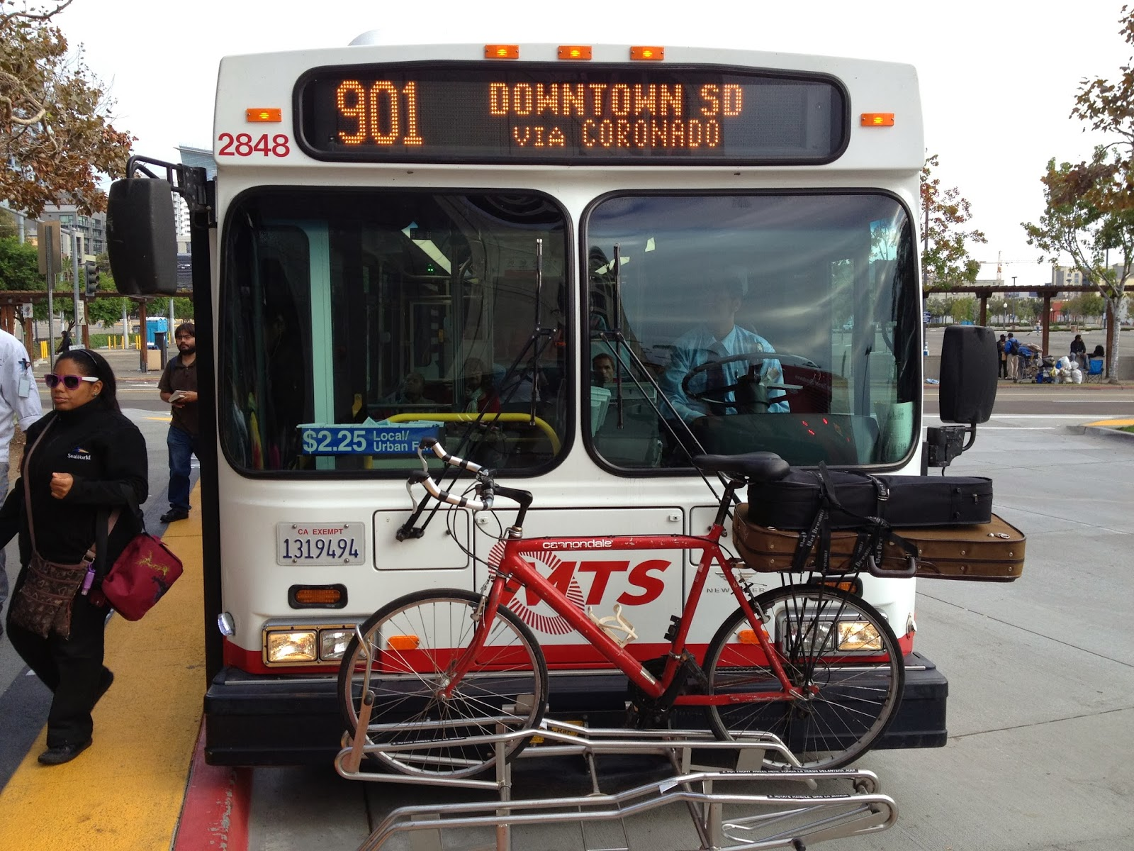 San Diego MTS bus with bike rack
