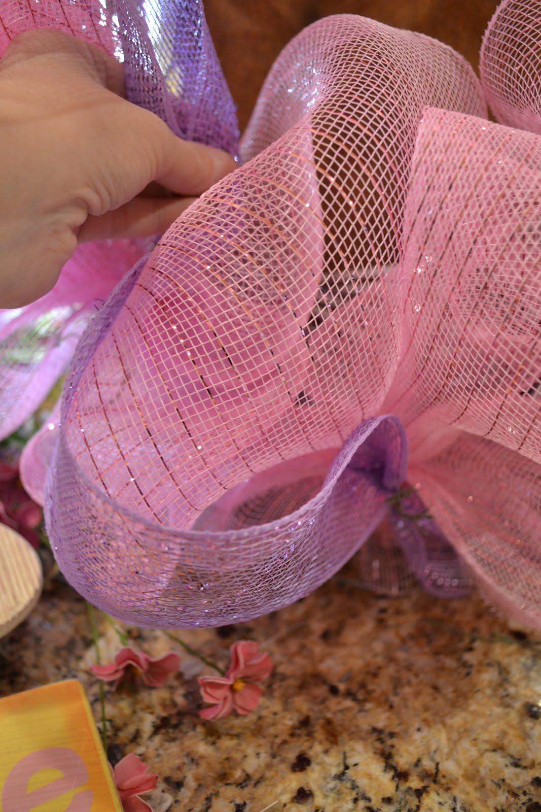 Kristens creations easter mesh wreath tutorial 2012 baditri Gallery