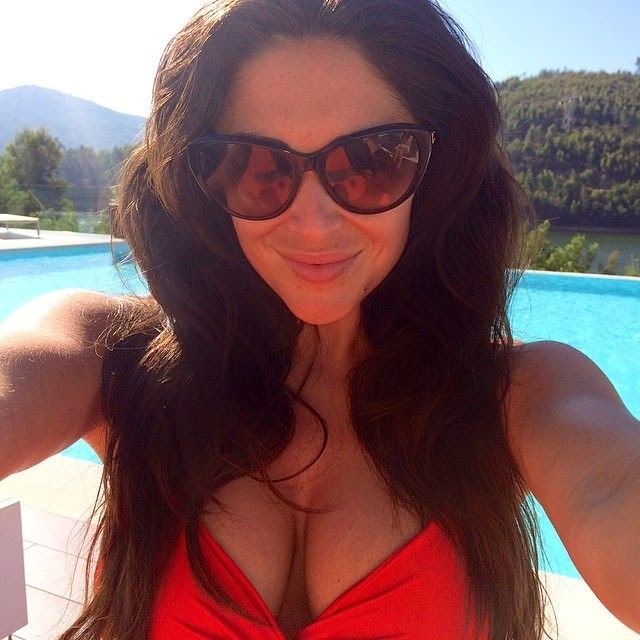 Casey Batchelor shares a few images into her Instagram account on Monday, May 12, 2014 during her vacation at Portugal