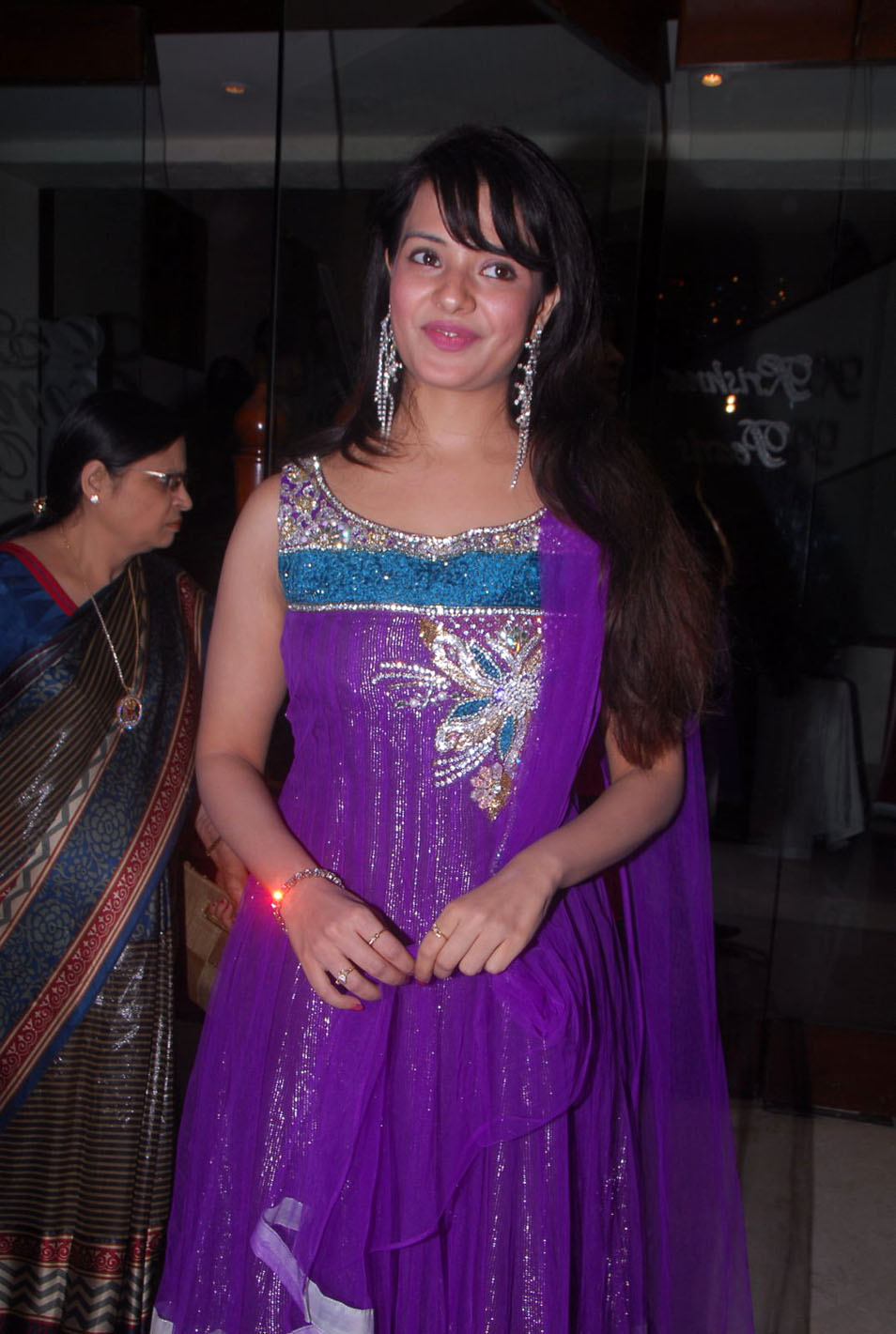 Saloni 1 - South Actress Saloni Pics in Suit