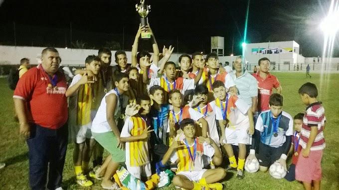 """Montanhas vence Copa Escolar de Futebol """"Garoto Bom de Bola 2014"""""""