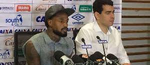 Racismo: Volante do Bahia acusa atacante do Vitória