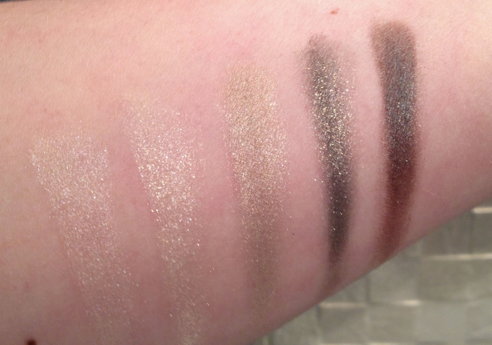MAC Greenluxe Veluxe Pearlfusion Eyeshadow Palette swatches