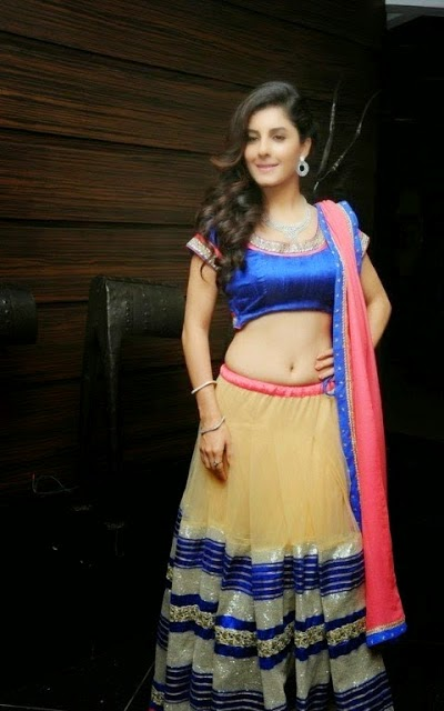 Actress Isha Talwar Cute Navel Show Photos
