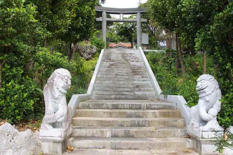 shrine, shisa, Yomitan,sanshin