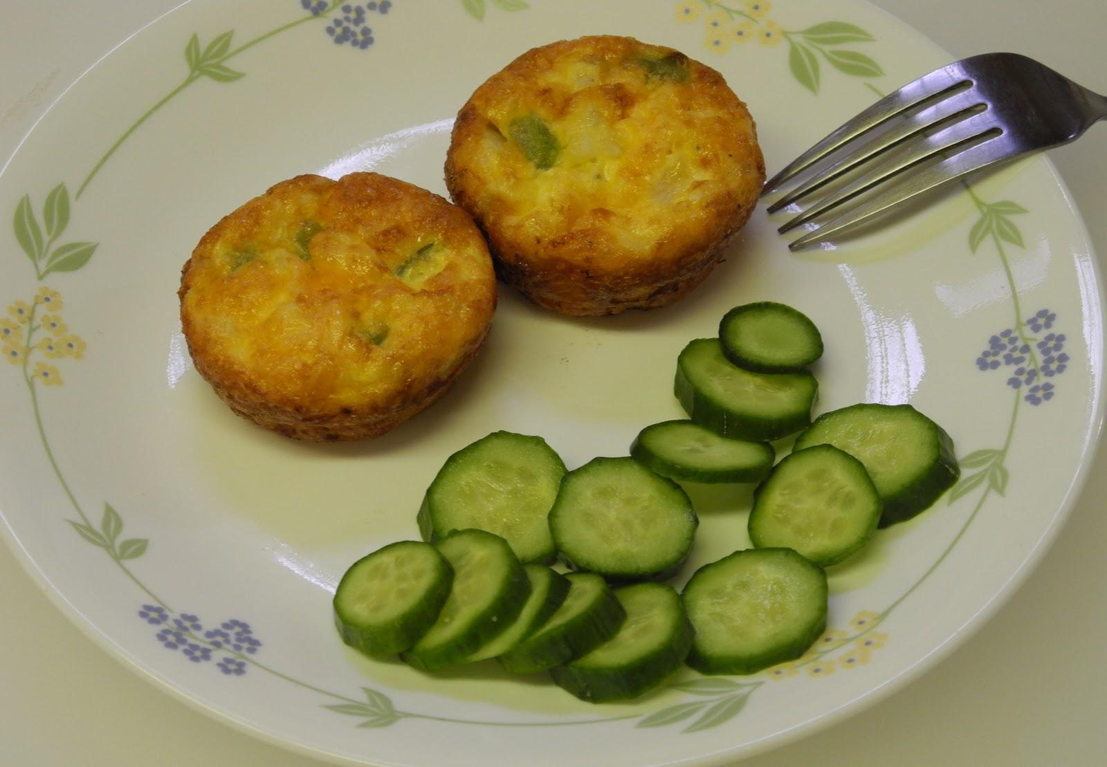 BIZZY BAKES: Muffin Mondays - Scrambled Egg Muffins