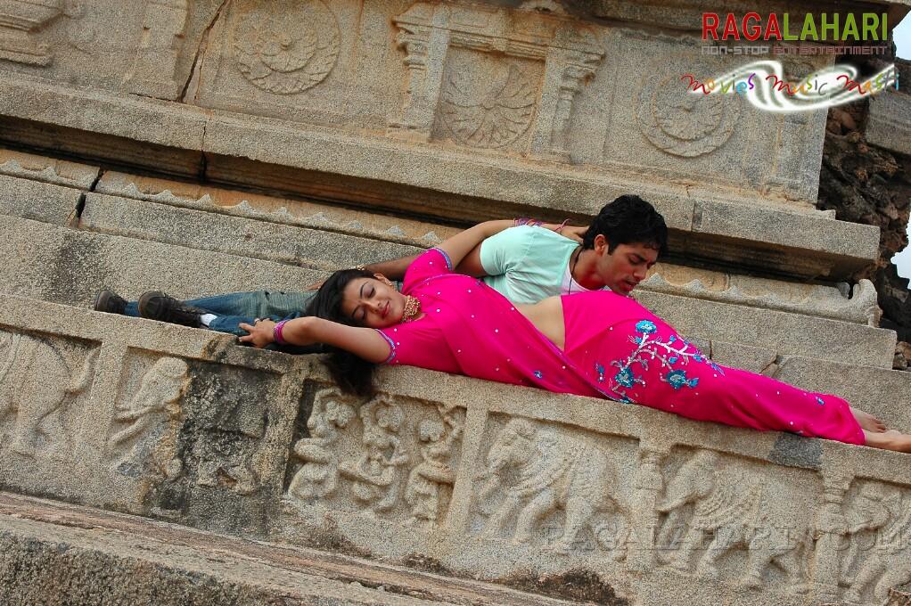 South Indian actress Kajal Agarwal hot navel kiss photos from Telugu ...