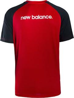 gambar photo kamera Jersey training Liverpool warna merah terbaru musim 2015/2016
