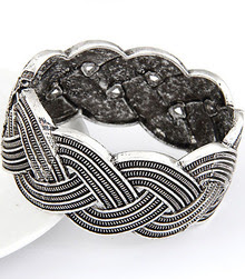http://www.shein.com/Retro-Silver-Hollow-Twine-Bracelet-p-178725-cat-1758.html?utm_source=rorymakeup.blogspot.it&utm_medium=blogger&url_from=rorymakeup  Retro Silver Hollow Twine Bracelet