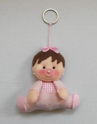 Chaveiro para lembrancinha bebê em feltro cor de rosa