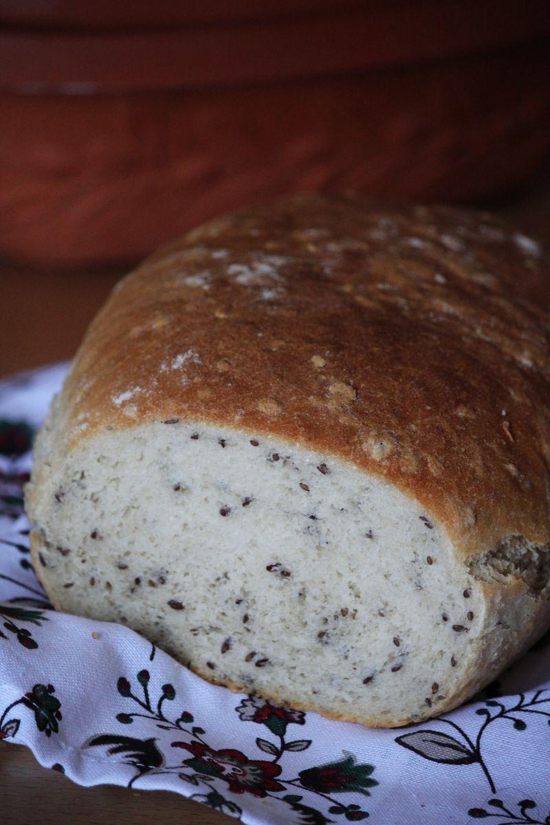 Chleb pieczony w garnku rzymskim (z siemieniem lnianym)