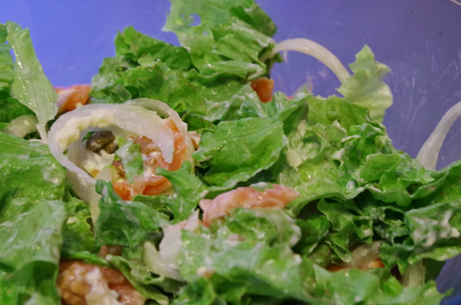 Salada verde com salmão