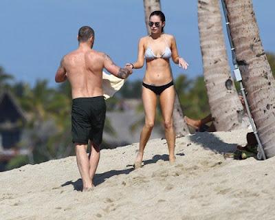 Megan Fox, Brian Austin Green, Hawaii, Find Hostel in hawaii, Hawaii Beach, Hawaii Hotels, Hawaii luxury hotels, Hawaiian vacation, Travel to Hawaii, Hawaiian Tropic party