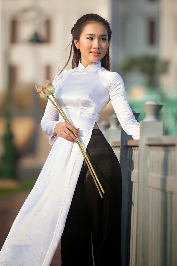 Gái xinh với áo dài trắng thời học sinh