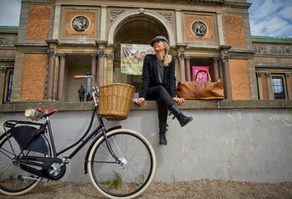 Complementos para bicicletas clásicas femeninas en Ramonas Barcelona