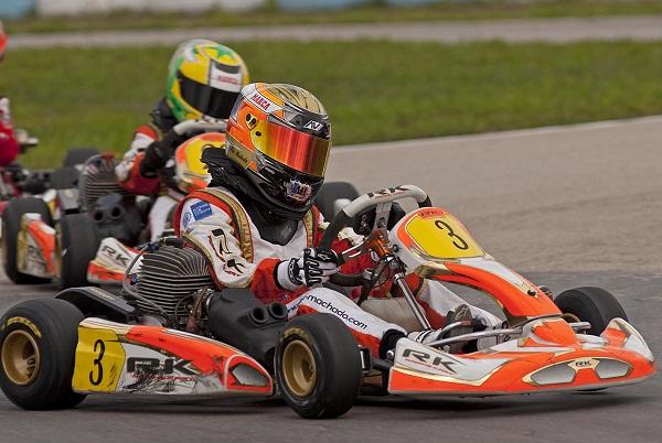 Circuito Zuera : M k karting pleno de Àlex machado en el circuito zuera