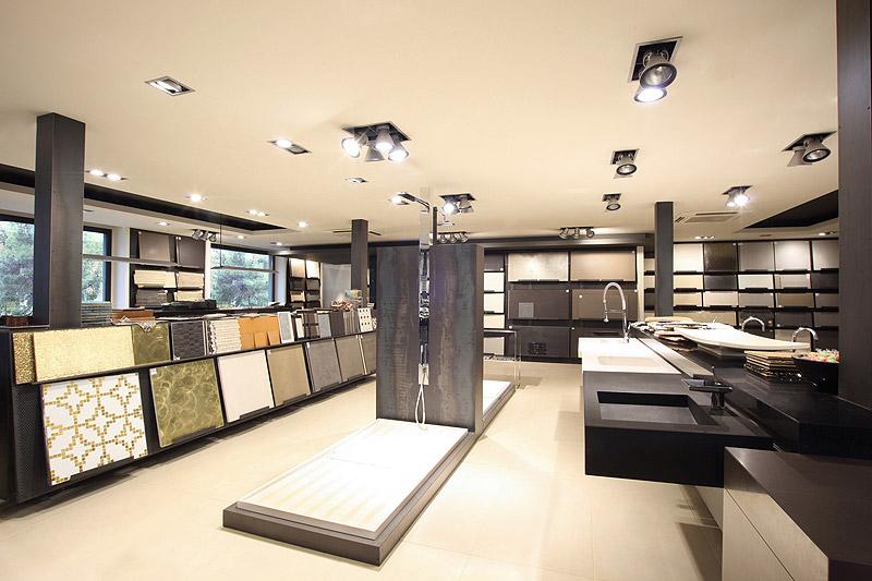 La exposici n de azul acocsa en barcelona interiores for Showroom roca barcelona