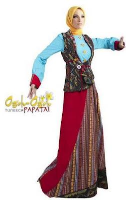 Busana muslim cantik dengan variasi batik image
