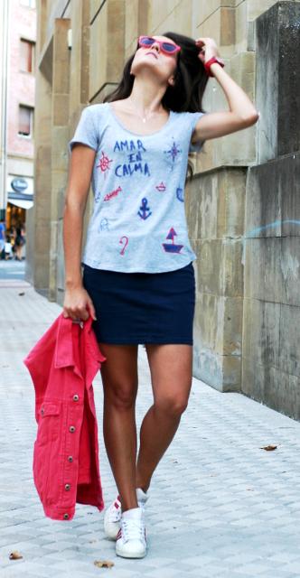 mini y camiseta