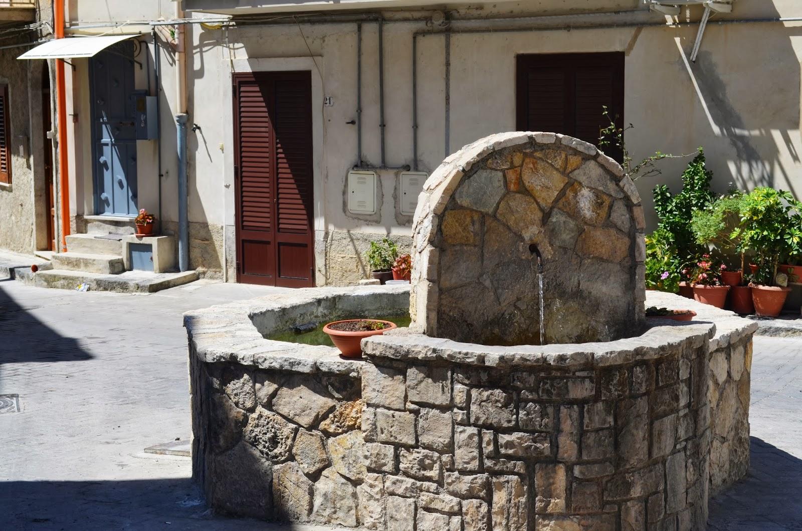 Bivona turismo trekking urbano delle antiche fontane di for Fontane antiche