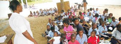 Governo precisa de 150 milhões USD para adquirir carteiras escolares