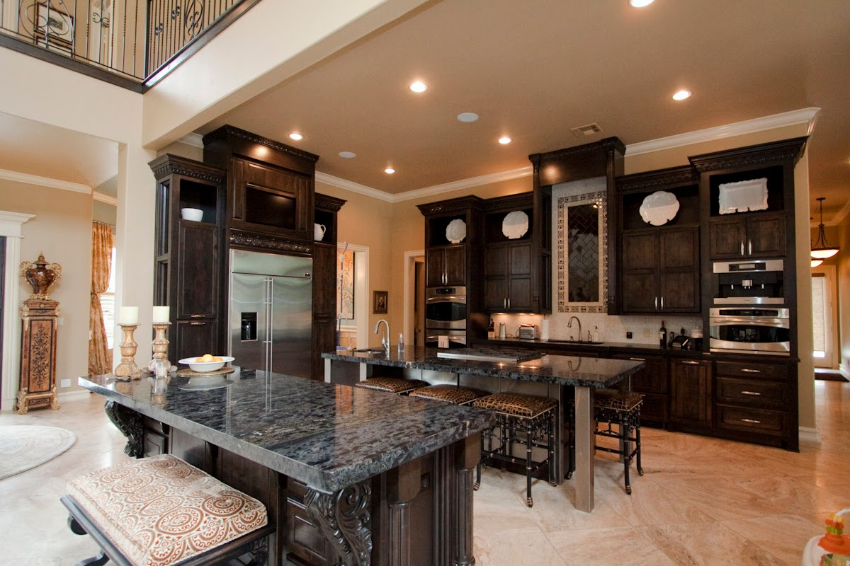 Broken arrow voice breathtaking tulsa ok luxury home for House kitchen images