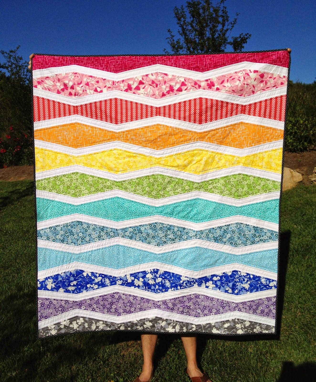 A Blue Sky Kind of Life: Rainbow Wave quilt: A finish! : wave quilt pattern - Adamdwight.com