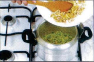 المطبخ المغربي كيفية اعداد بريوات 3.JPG