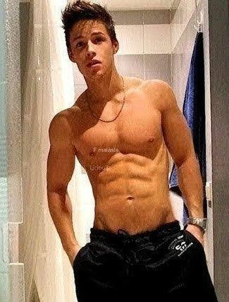 Fotos Fakes Meninos Sem Camisa Part