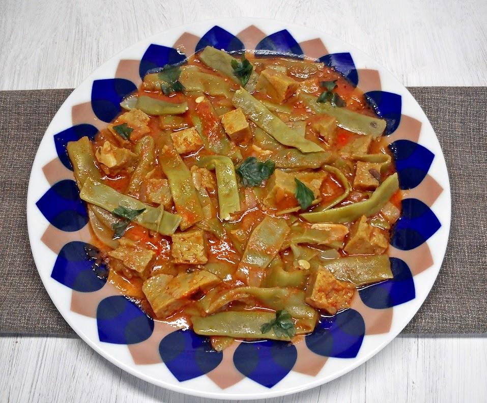 Judías Verdes con Salsa de Tomate y Seitan.