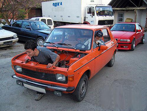 في الواقع تقاس قوة محرك السيارة بكذا حصان لكن الصورة كانت عكس ذلك.
