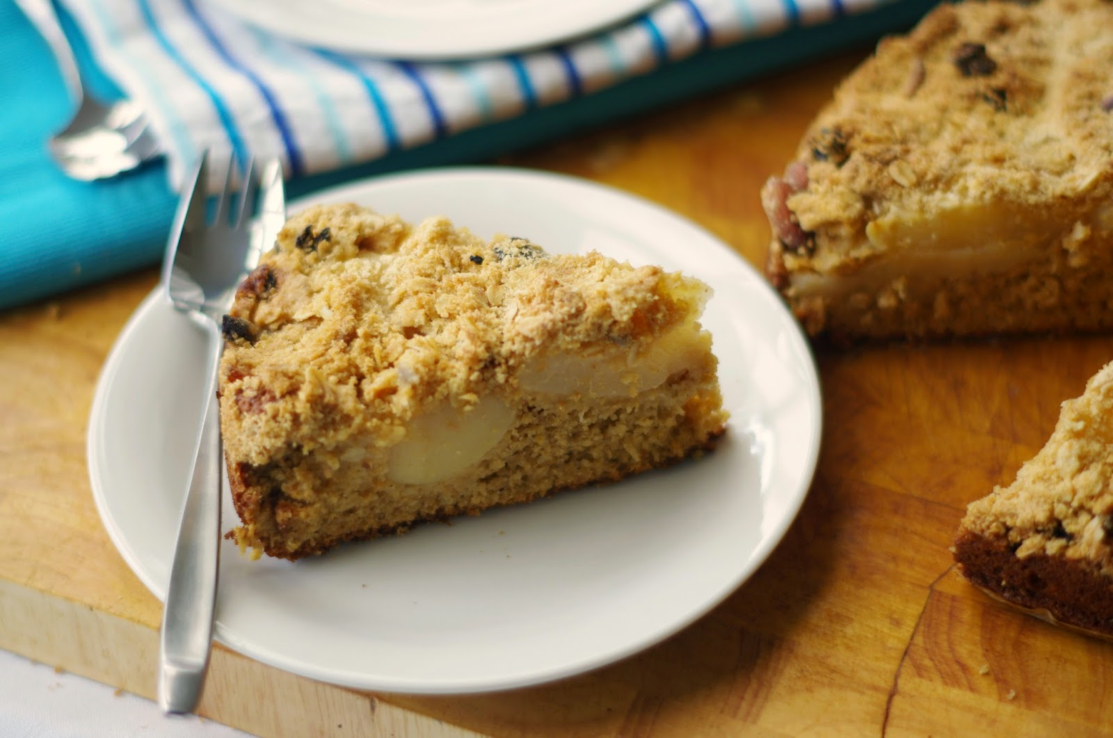 Pear and muesli crumble cake